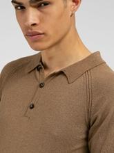 Bild von Shirt mit Kragen