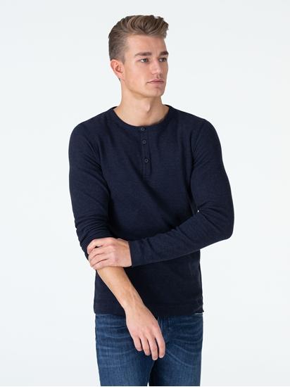 Bild von Shirt mit Serafino-Kragen