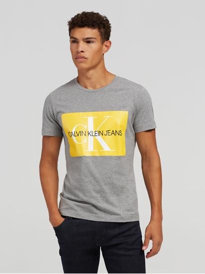 Image sur T-shirt et impression du logo