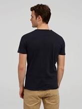 Image sur T-shirt à ourlet ouvert