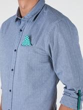 Bild von Hemd mit Punkten
