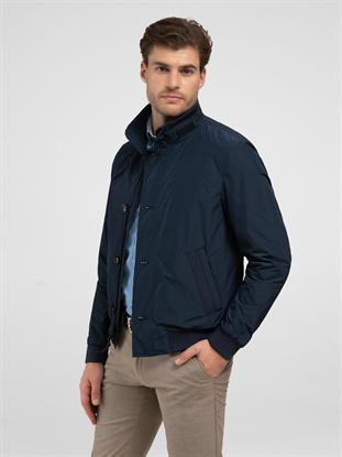 827640a6f91d21 shop online PKZ.ch. Modische Designer Blousons für Herren online ...