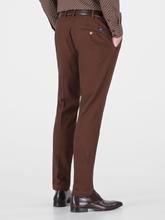 Image sur Pantalon chino à micro-motif