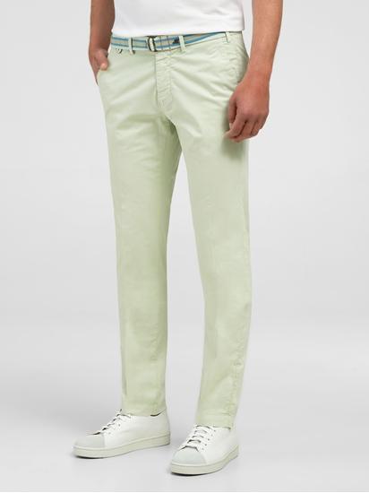 Image sur Pantalon chino à revers