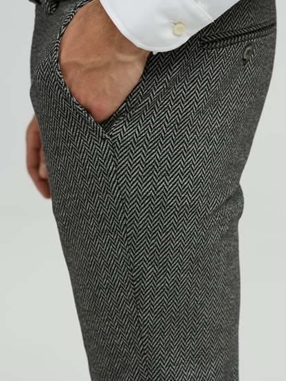 Image sur Pantalon chino motif à chevrons