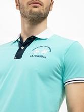 Bild von Polo-Shirt mit Logo und Kontrastkragen