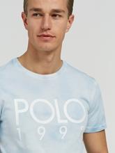 Image sur T-shirt avec logo