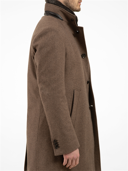 Bild von Mantel mit Struktur und abnehmbarer Blende