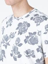 Bild von T-Shirt mit Blumen-Print