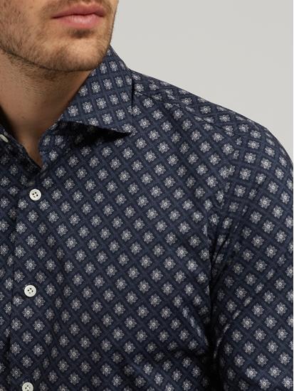Bild von Hemd mit Muster