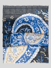Bild von Schal mit Print und Struktur