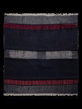 Bild von Schal mit Struktur und Streifen