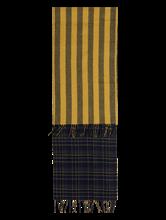 Bild von Schal mit Karo-Muster