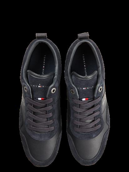 Bild von Sneakers aus Material-Mix