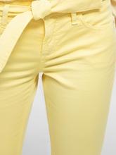 Image sur Denim coloré et ceinture à nouer
