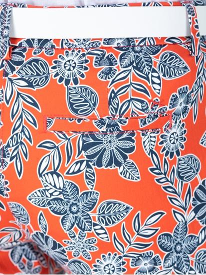 Bild von Chinohose mit Blumen-Print MARON