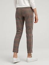 Image sur Pantalon motif Prince de Galles et rayures latérales