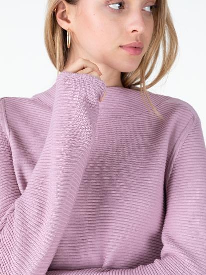 Bild von Pullover mit Stehkragen und Rippen