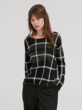 Bild von Pullover mit Karo-Muster