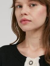 Bild von Strickjacke im Chanel-Stil