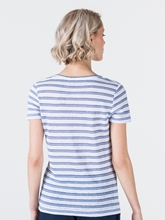 Image sur T-shirt à rayures