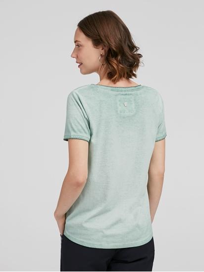 Image sur T-shirt noué et brodé