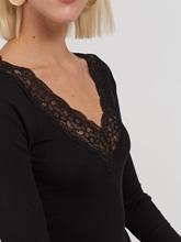 Image sur Shirt texturé et dentelle