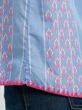 Bild von Bluse mit Streifen und Print