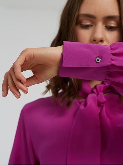 Image sur Blouse en soie avec noeud