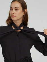 Bild von Bluse mit Struktur und Schluppe