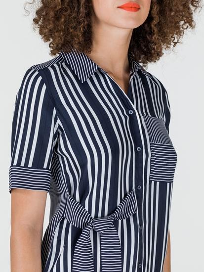 Bild von Blusenkleid mit Streifen und Schleife