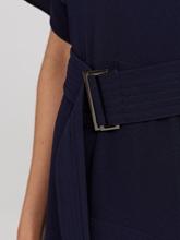 Bild von Asymetrisches Kleid mit Gürtel