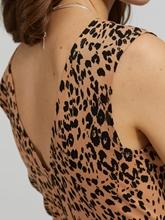 Bild von Jerseykleid mit Leo-Print