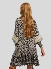 Bild von Blusenkleid mit Rüschen