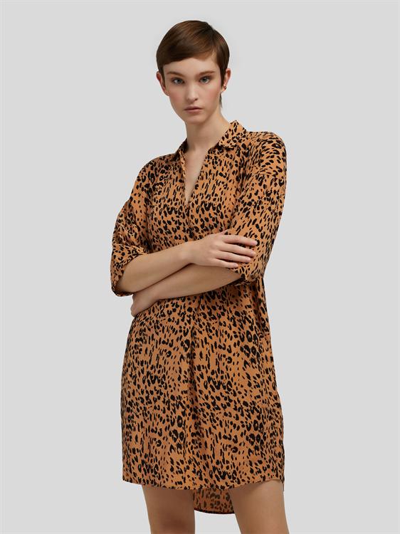 Image sur Robe avec poches latérales et imprimé léopard
