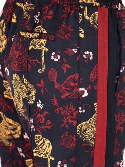 Bild von Hose mit Print und seitlichen Streifen
