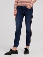 Bild von Jeans im Slim Fit mit Glitzer Applikationen