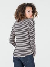 Bild von Shirt mit Streifen und Serafino-Kragen