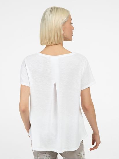 Image sur T-shirt avec plis creux dans le dos