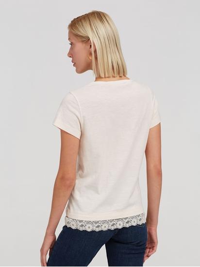 Image sur T-shirt empiècement dentelle
