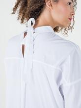 Bild von Bluse mit Masche am Rücken