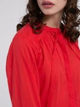 Bild von Blusenshirt mit Streifen und Lochstickerei