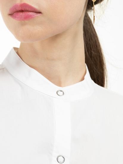 Bild von Bluse mit Knoten