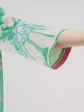 Image sur Blouse oversize en soie et imprimée