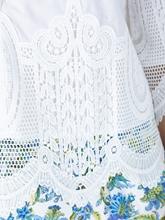 Image sur Blouse avec dentelle crochetée
