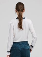 Bild von Blusenshirt mit gestreiftem Kragen