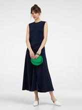 Bild von Kleid mit Ziernähten