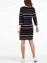Bild von Kleid mit Rippen und Streifen