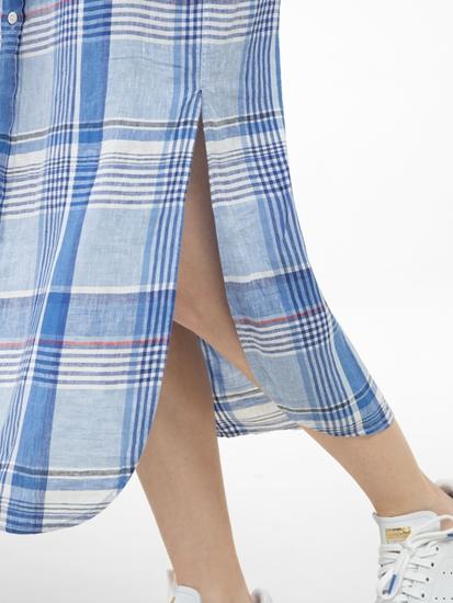 Image sur Robe chemisier à carreaux et ceinture
