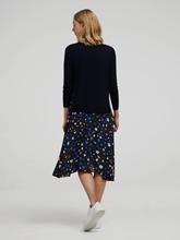 Bild von Kleid mit Print und Pullover